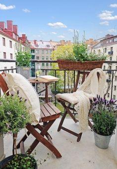 24 Awesome Spring Balcony Décor Ideas | DigsDigs I Liena liebt