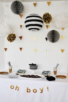 Black Gold Party Geometric Black White and Gold Baby Shower Décoration Baby Shower, Shower Party, Baby Shower Parties, Baby Shower Themes, Shower Ideas, Baby Shower Table Set Up, Baby Shower Napkins, Bridal Shower, Penguin Baby Showers