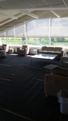 Large fourth floor sitting area-possibility for many configurations