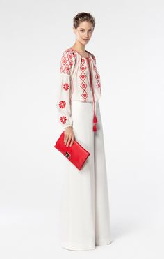 CH Carolina Herrera Spring 2016 Look bag and top; already have trousers Ch Carolina Herrera, Spring Fashion, Love Fashion, Fashion Looks, Womens Fashion, Fashion Trends, Style Casual, My Style, Lady Like