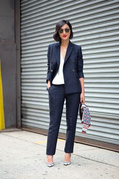 Navy suits are always beautiful, but with a red lip and Ray-Bans? Nice. Very nice.