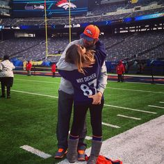 Biggest Fan from Eric Decker and Jessie James Are the Hottest Couple Ever  It's clear who Eric's #1 fan is...on and off the field.