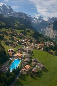 Mountain Village - Wengen, Switzerland I want to go here / Travel destination places Dream Vacations, Vacation Spots, La Provence France, Wengen Switzerland, Switzerland House, Switzerland Summer, Visit Switzerland, Places To Travel, Places To See