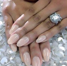 Nude nails #laquenailbar