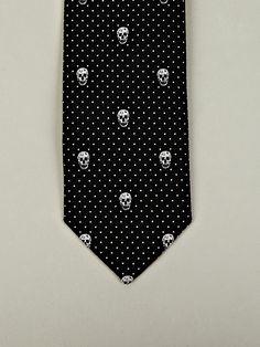 Alexander McQueen Men's Skull Print and Polka Dot Tie in black / white at oki-ni