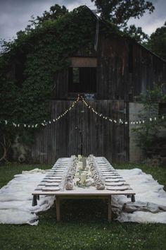 Un dîner en extérieur aux inspirations bohèmes