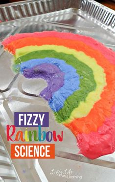 Have fun with rainbows in this fizzy rainbow science activity that is guaranteed to bring a smile to your child's face. Baking soda and vinegar experiments never get old and you can have fun with them over and over again. Kindergarten Science Activities, Homeschool Science Curriculum, Rainbow Activities, Fun Activities For Kids, Science For Kids, Spring Activities, Babysitting Activities, Mad Science, Sensory Activities