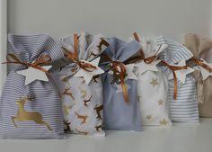 Adventskalender - Adventskalender - ein Designerstück von Fritzi-und-Co bei DaWanda Diy Christmas Gifts, Christmas Projects, Winter Love, Designer, Gift Wrapping, Fabric Gifts, Etsy, Inspiration, Sewing