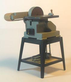 Miniature Modern Wood Shop Tools: Miniature Table Sander (1:12 scale)