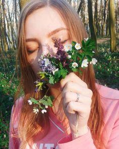 72 вподобань, 3 коментарів – Khrysty Romanyshyn (@khrysty20) в Instagram: «Нарешті прийшла весна, я дочекалася! #spring #flowers #film #filmphotography #forest #atmosphere…»