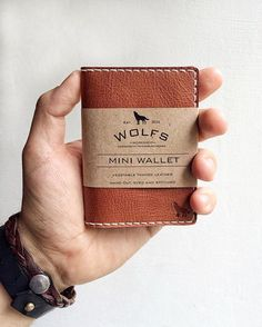 womens leather wallets Black is part of Black Wallets Card Cases For Women Nordstrom - Hand made leather wallet Leather billfold Leather Wallet Pattern, Handmade Leather Wallet, Leather Card Wallet, Leather Gifts, Leather Pouch, Leather Art, Custom Leather, Minimalist Leather Wallet, Cuir Vintage