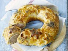 Een klassiek worstenbroodje in een originele vorm