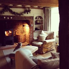 Cosy wood burning stove inside an inglenook fireplace Cottage Living Rooms, Cottage Interiors, Home And Living, Style At Home, Hygge, Salons Cottage, Living Room Inspiration, Cabana, Home Fashion