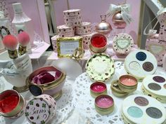 laduree-makeup-lm-harajuku-store-blush Harajuku Fashion ?  #ladureemakeuplmharajukustoreblush #harajuku #fashion #women #japanese Harajuku Makeup, Harajuku Fashion, Laduree Makeup, Makeup Brands, Blush, Make Up, Table Decorations, Store, Travel