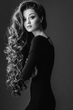 Hair goals! OMG, this girl's hair is to absolutely DIE FOR! (If it's real, that is! You never can be sure these days! )