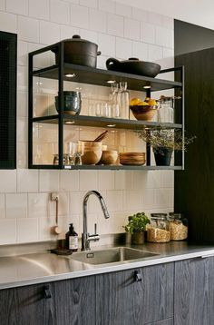 40 Wonderful Industrial Kitchen Shelf Design Ideas To Organize Your Kitchen - Page 33 of 43 - Home Decor Ideas Kitchen Shelf Design, Kitchen Shelf Decor, Yellow Kitchen Decor, Ikea Kitchen Cabinets, Kitchen Shelves, Rustic Kitchen, Interior Design Kitchen, Kitchen Racks, Bistro Kitchen