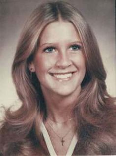 Tracey Neilson of Moore, OK was stabbed to death at her home & found by husband. Her death remains unsolved. Her husband is now a judge in OK. There was a receipt from a cable guy. People say that whomever signed the receipt was the killer. Unexplained Phenomena, Unexplained Mysteries, Foto Real, Missing Persons, Cold Case, Murder Mysteries, Criminal Minds, Criminal Justice, Forensics