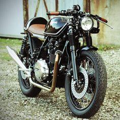/// Kawasaki Z750 Café racer