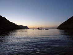 Benirras. Amantes de la ornitología: Ibiza en Octubre Ibiza Sunset, Beach, Water, Outdoor, Sunsets, Lovers, October, Viajes, Fotografia