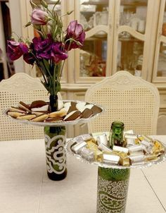 Wine Bottle Trays - Today I'm sharing these beautiful Wine Bottle Trays I made. These wine bottles from Protea Wines are so beautiful with etched designs on th… bottle crafts ideas Wine Bottle Trays Empty Wine Bottles, Wine Bottle Corks, Wine Bottle Crafts, Diy Bottle, Glass Bottles, Beer Bottles, Wine Glass, Cork Crafts, Fun Crafts