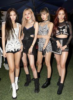 Blackpink Outfits, Stage Outfits, Fashion Outfits, Kim Jennie, Mode Kpop, Kim Jisoo, Black Pink Kpop, Blackpink Fashion, Festival Outfits