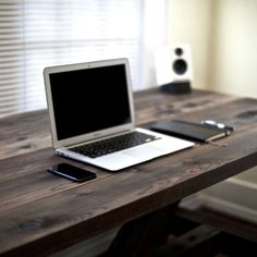 50 Inspirational Workspaces & Offices - Wooden Desk as the star