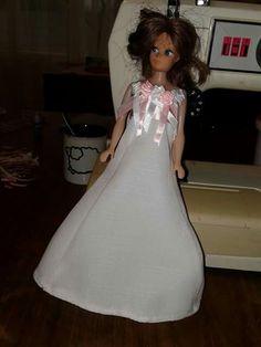 Wit barbie rok met wit en pienk rose op