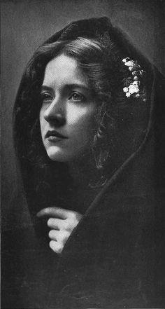 yodaliane:  Maude Fealy by Captain Geoffrey Spaulding 1909