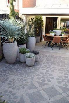 beautiful stone terrace the ideal basement for Terrasse Jardin Idees Garden Tiles, Patio Tiles, Outdoor Tiles Patio, Outdoor Flooring, Outdoor Rooms, Outdoor Gardens, Outdoor Decor, Design Jardin, Small Garden Design