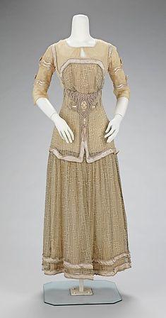 Afternoon DressJeanne Paquin, 1909The Metropolitan Museum of Art