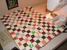 Finally the first tutorial for the Postage Stamp Quilt-along! Yey! And technically, there is only one true 'tutorial' for this quilt-along...