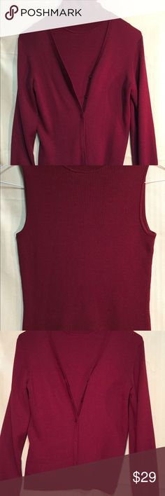 ANN TAYLOR BURGUNDY SLEEVELESS TURTLENECK TWIN SET ANN TAYLOR QUALITY THROUGHOUT WITH THIS DARLING SLEEVELESS TURTLENECK AND MATCHING LONG SLEEVE SWEATER FOR COOL WINTER DAYS.  WEAR AS A TWIN SET OR INDIVIDUALLY.  THREE  DIFFERENT LOOKS ADDS VALUE TO ANY WARDROBE. Ann Taylor Factory Sweaters