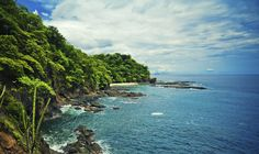 Experience a self-guided vacation package to Costa Rica with Friendly Planet. Costa Rica has something for everyone with its adventure tours and beautiful resorts. Quepos, Tamarindo, Best Places To Live, Places To Visit, Costa Rica Reisen, Living In Costa Rica, Top 10 Destinations, Vacation Packages, Winter Holidays