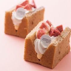 Pastry Recipes, Baking Recipes, Dessert Recipes, Smores Bar Recipe, Croquembouche, Sweet Cooking, Naked Cake, Sponge Cake Recipes, Profiteroles