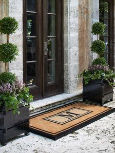 Love These Planters By Front Door Or Out Back Front . Love These Planters By Front Door Or Out Back Garden . Home and Family Front Door Entrance, Front Entrances, Front Door Decor, Front Door Porch, Grand Entrance, Front Entry, Front Door Planters, Plants For Front Door, Boxwood Planters