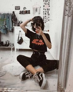 Vintage Looks: A Collection Of Amazing Vintage Outfits For Winter Edgy Outfits, Mode Outfits, Korean Outfits, Grunge Outfits, Grunge Fashion, 90s Fashion, Korean Fashion, Summer Outfits, Girl Outfits
