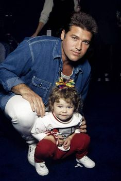 with the cutest and most adorable baby with her dad too cute! Hannah Montana, Disney Channel, Elvis Presley, Tennessee, Miley And Liam, Miley Stewart, Film Big, Billy Ray Cyrus, Star Wars