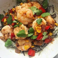 """Happy Monday SizzleFish Fans!! Today for lunch @housewifeintraining is serving up a quick and tasty lunch! Meg made @sizzlefishfit Chile Shrimp and served it over high protein black bean pasta with an Avocado Cream Sauce! This is the perfect dish for a quick lunch or dinner! --------------------------------------- @sizzlefishfit #omegas #poweredbyfish #sizzlefishfit #lunch #dinner #inspiration #healthy #health #eatclean #cleaneats #iifym #macros #paleo #lean #weightloss #diet #fitness…"
