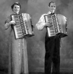 """Scandalli: History of Accordions"" in ""Italian Entertainment And More"" IIn 1900 Silvio Scandalli started to produce accordions with the help of his family.  In a few years between 1915 and 1921, out of a small workshop in Camerano a small company was created which was to become an industrial force, that in 1941 employed over 700 workers!"
