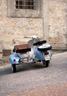 VESPA & SIDE CAR