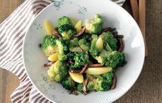aprende cómo hacer Sabrosa ensalada con patatas, coliflor y brócoli en este post http://exquisitaitalia.com/sabrosa-ensalada-con-patatas-coliflor-y-brocoli/ #recetas #recetasitalianas