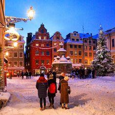 Stortorget, Gamla Stan, Stockholm! #ig_week_family #swedenimages #loves_sweden #sweden_photolovers #picture_to_keep #ig_week_sweden #ig_sweden #igscstockholm #visitstockholm #visitsweden #swedishmoments #viewstockholm #capitalofscandinavia #this_is_stockholm #sweden #nowayphotos #scandinaviantravels #loves_united_sweden #igscandinavia #unlimitedscandinavia #fotografiska #stockholm_insta #smhiväder