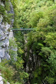 Devils Bridge, Tolmin Gorge (2.5km), Triglav National Park, Julian Alps, Slovenia