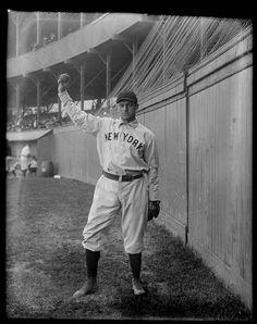 Portrait of Joe McGinnity, baseball player, NY Giants, 1904