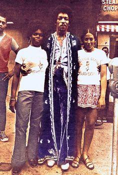 Jimi Hendrix in Harlem, September 1969.   #jimihendrix