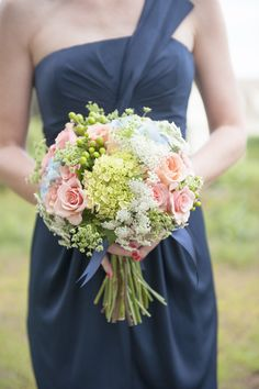Hydrangea + rose bouquet | Read More: http://www.stylemepretty.com/little-black-book-blog/2014/06/17/maine-seaside-cottage-wedding/ | Photography: Brea McDonald Photography - breamcdonald.com