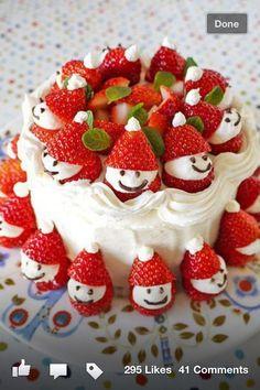 Holiday Desert: Holiday Strawberry Christmas Cake <3
