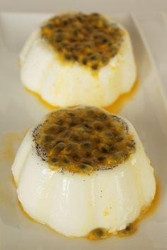 Cinco Quartos de Laranja: Panna cotta de leite de coco e maracujá