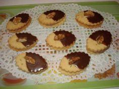 Cukroví Christmas Cookies, Muffin, Baking, Breakfast, Food, Xmas, Xmas Cookies, Morning Coffee, Christmas Crack