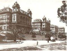 Anhangabaú. Temos a visão dos Palacetes Prates e do Vale do Anhangabaú. Os palacetes, todos eles, foram demolidos no decorrer do século 20.